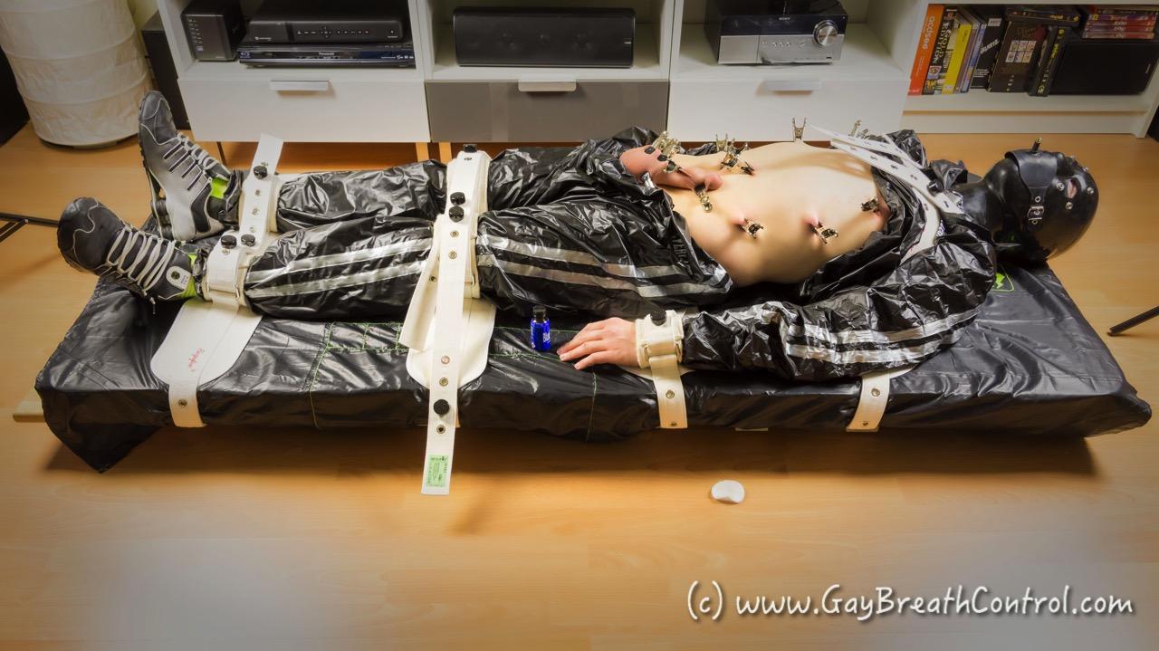 EmoBCSMSlave tied up in Segufix